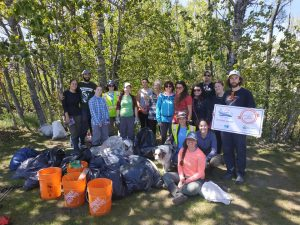 Activité de nettoyage des berges de la rivière Mailloux